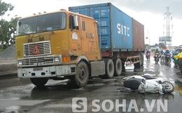 TP.HCM: Xe container cán nát chân người phụ nữ