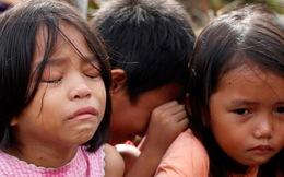 """Philippines: """"Hãy giúp cháu! Hãy đưa cháu lên Facebook!"""""""