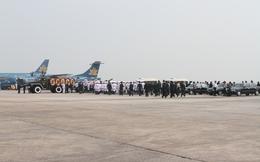 Hình ảnh đoàn nghi lễ Quân đội đưa tiễn Đại tướng tại sân bay