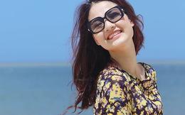 'Gái một con' Trần Thị Quỳnh tươi trẻ giữa biển xanh, cát vàng