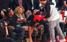Dàn siêu sao ca nhạc Mỹ thi nhau đi xem bóng rổ