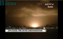 Tàu ngầm Ấn Độ cháy dữ dội, còn nhiều thủy thủ mắc kẹt