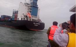 Tàu container đâm tàu cá, 6 ngư dân thoát nạn