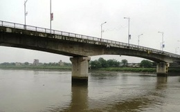 Thái Bình: Nữ công nhân đạp xe lên cầu Bo tự tử