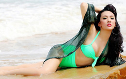 Ảnh bikini nóng bỏng của diễn viên phim 'Chít và Pi' - Hạ Hồng Vân