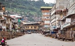"""24h qua ảnh: Đường phố vắng tanh vì """"bóng ma"""" Ebola"""