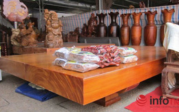 """Đồ """"độc"""" giá """"khủng"""": Sập gỗ, bàn ghế vài trăm triệu đổ về Hà Nội"""