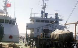 Tàu cảnh sát biển ở Hoàng Sa được tiếp tế như thế nào?
