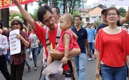 Những bài học yêu nước cha mẹ dạy con khi biển Đông dậy sóng