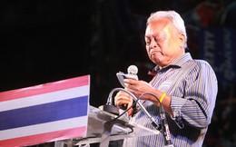 Một người biểu tình tử vong, thủ lĩnh biểu tình Thái Lan rơi lệ