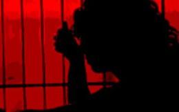 Vợ giết chồng vì mâu thuẫn chuyện… đôi dép