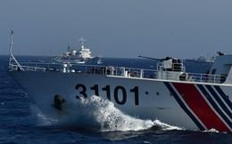 Tàu Trung Quốc phun vòi rồng tấn công tàu kiểm ngư