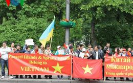 Từ điểm nóng Ukraine: Người Việt xuống đường phản đối Trung Quốc
