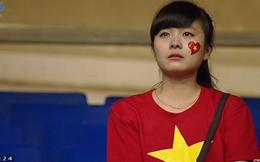 Ấn tượng hình ảnh CĐV nữ xinh đẹp khóc vì U19 Việt Nam