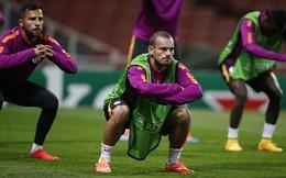 Sneijder tiết lộ lý do không gia nhập Man United khiến fan ức chế