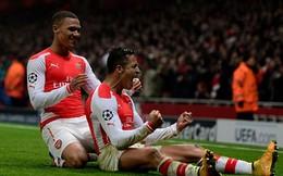 """Siêu phẩm """"Cầu vồng khuyết"""" giúp Arsenal vào vòng knock-out"""
