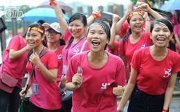 5.000 TNV nhảy flashmob dưới mưa giữa lòng đường Hà Nội
