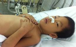 Nhà nghèo, bé 7 tuổi bệnh nặng không một mảnh giấy tờ tùy thân