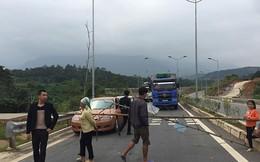 Người dân lại chặn đường cao tốc Nội Bài  Lào Cai