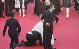 Hành động kỳ quặc làm náo động thảm đó LHP Cannes