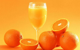 """""""Chớ dại"""" uống nước cam theo 7 cách sai lầm sau"""