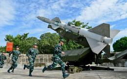Huấn luyện dây chuyền lắp ráp đạn Tên lửa S-75 ở Trung đoàn 274