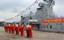 Bàn giao tàu pháo TT400TP cho Quân chủng Hải quân