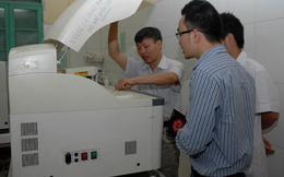 Sở Y tế mua máy xét nghiệm vỏ Đức, linh kiện Trung Quốc