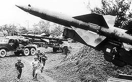"""Chuyên gia Liên Xô """"tâm phục khẩu phục"""" chiến thuật của bộ đội tên lửa VN"""