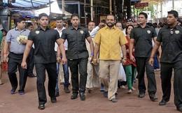 Tỷ phú Ấn Độ mặc áo vàng ròng nặng hơn 4kg