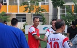 BLV Long Vũ đá bóng thế nào cạnh Hồng Sơn?