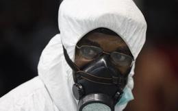 Chuyện ít người biết về các bác sỹ nơi tâm dịch Ebola