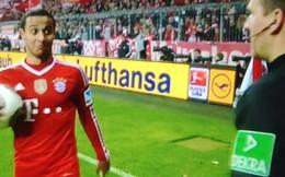 Sao Bayern tròn mắt vì kỹ thuật tuyệt đỉnh của trọng tài
