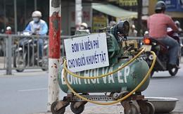 Những tấm biển thông báo ấm áp tình người giữa Sài Gòn hoa lệ