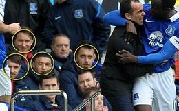 """""""Chộp"""" cảnh sao Arsenal cười toe toét khi đội nhà thất bại"""