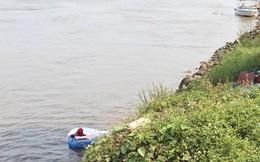 Đau đớn đón thi thể bé 3 tuổi chìm theo tàu, trôi xa 9km
