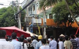 Nhân viên điện lực bị vắt lơ lửng trên cột điện đã tử vong