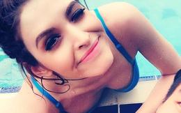 Andrea mặc bikini nóng bỏng đi bơi