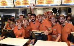 Nhà vô địch World Cup đi bán hàng McDonald's