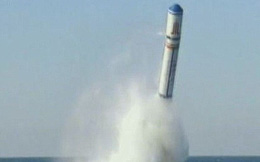 """Bắn tên lửa JL-2, tàu ngầm TQ """"lạy ông tôi ở bụi này"""""""