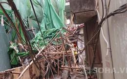 Hà Nội: Giàn giáo sập đâm thủng nhà dân