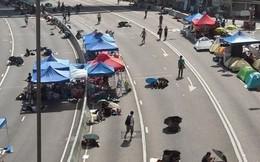 Hồng Kông: Phát hiện 20 con dao dài gần đoàn biểu tình