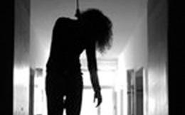 Hoảng hồn phát hiện con dâu treo cổ trên giường ngủ