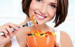 3 điều hại sức khỏe không được làm trong khi ăn