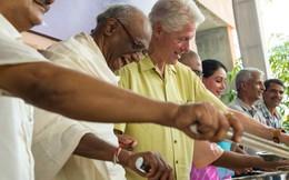 Hôm nay, cựu Tổng thống Mỹ Bill Clinton đến Việt Nam
