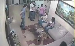 Trưởng phòng y tế huyện bị chém nứt sọ ngay trước cửa nhà