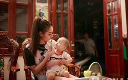 Cuộc sống chưa ai biết đằng sau các scandal ồn ào của Hồng Quế