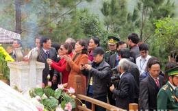 Nhiều khách nước ngoài viếng mộ Đại tướng trong những ngày Tết