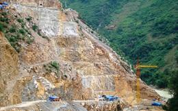 Sạt núi đá ở Hà Giang: Tích cực tìm 4 nạn nhân mất tích