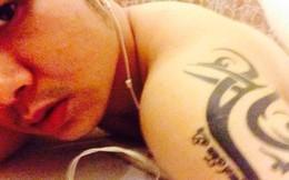 Vì scandal ngủ nude, Quách Tuấn Du chịu đau xăm phong thủy